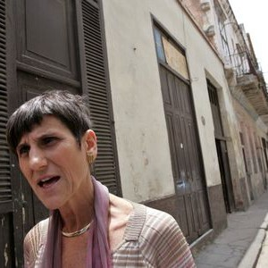 U.S congress woman Rosa DeLauro speaks to a journalist in Havana