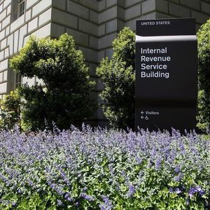 "A general view of the Internal Revenue Service (IRS) Building in Washington, May 14, 2013. Senate Republican leader Mitch McConnell called on President Barack Obama on Tuesday to make available for questioning everyone who knew about the Internal Revenue Service's targeting of conservative groups, and demanded ""no more stonewalling."" REUTERS/Jonathan Ernst"